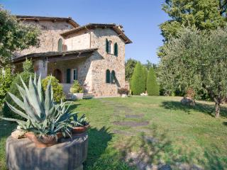 4 bedroom House with Internet Access in San Leonardo in Treponzio - San Leonardo in Treponzio vacation rentals
