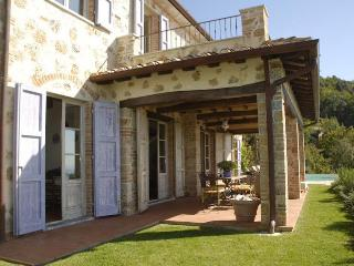 Villa in Tuscany Near the Coast and Walking Distance to Village - Villa Ponente - Strettoia vacation rentals