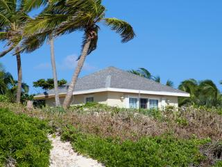 Bullen's Cottage - Harbour Island vacation rentals