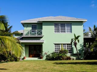 Geat Home Near the Beach - Harbour Island vacation rentals