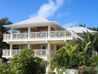 Comfortable 4 bedroom House in Harbour Island - Harbour Island vacation rentals