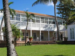 Bright 4 bedroom House in Harbour Island with Internet Access - Harbour Island vacation rentals