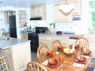 3 bedroom House with Internet Access in Monson - Monson vacation rentals