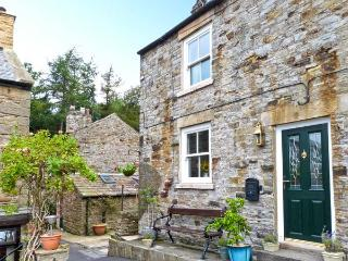 OWL COTTAGE, romantic pet friendly cottage, ideal Dales base, close amenities in Middleton in Teesdale Ref 16282 - Middleton in Teesdale vacation rentals