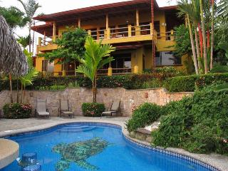 Casi el Cielo We Work. You Play.  Meals and Staff. - Dominical vacation rentals