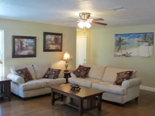 Beautiful New 2 Bedroom Home, walk To Vero Beach - Vero Beach vacation rentals