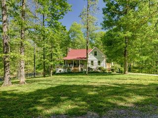 Private Setting Leipers Fork on 41 acres Sleeps 10 - Bon Aqua vacation rentals