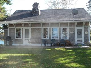 Lamb Cove Cottage(3 seasons, May - October) - Robbinston vacation rentals