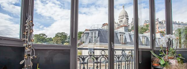Great View from Le Nodier Apartment - Image 1 - Paris - rentals