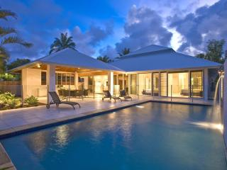 Perfect 4 bedroom House in Port Douglas with Deck - Port Douglas vacation rentals