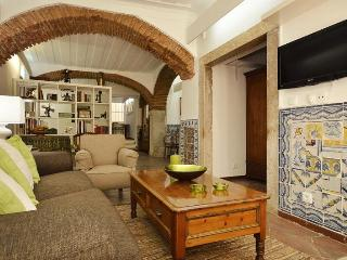 Large charismatic refined studio in best quarter - Lisbon vacation rentals