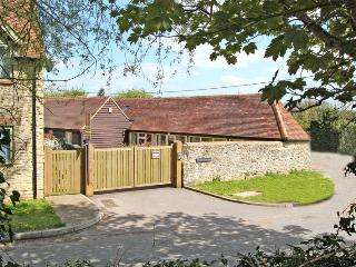 2 bedroom cottage in Oxford. Private parking +WiFi - Oxfordshire vacation rentals