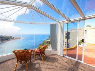 Beautiful Waterfront 15 min to City Centre 6 bedrm - Sydney vacation rentals