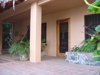 Zihuatanejo Playa Madera House w Incredible Views! - Zihuatanejo vacation rentals