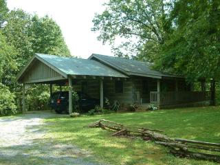 Whisper Wind - Private 2 Br near Pigeon Forge - Pigeon Forge vacation rentals