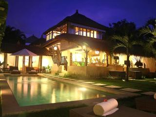 Heart of Seminyak, 5 Bedrooms, 2 Pools! Awesome! - Kuta vacation rentals