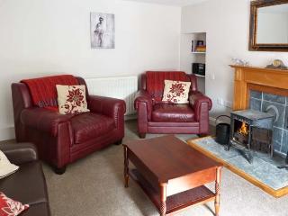 STONYWOOD COTTAGE, comfy cottage, dog welcome, near Loch Ness in Drumnadrochit, Ref 16240 - Drumnadrochit vacation rentals