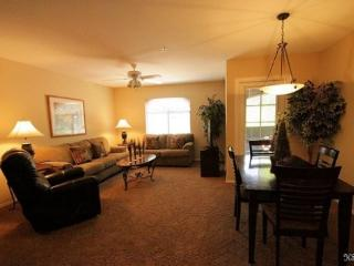 Two Bedroom, Two Bath Condo with Mountain Views at Veranda in Ventana Canyon. - Vail vacation rentals