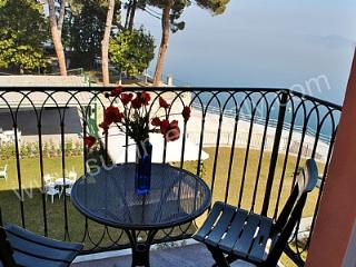 Charming 2 bedroom House in Meina with Deck - Meina vacation rentals