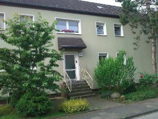 Vacation Apartment in Duisburg - 463 sqft, warm, comfortable, friendly (# 3047) - Duisburg vacation rentals