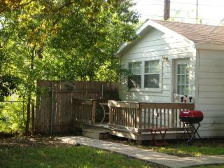 Cactus Cottage (North Central Location near Airport and North Star Mall) - San Antonio vacation rentals