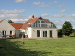 Semi Detached Annexe in 1 acre..Sea front.Barmston.Bridlington - Bridlington vacation rentals