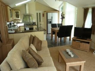 JASMINE LODGE (Hot Tub) * Hillside Park, Pooley Bridge, Ullswater - Ullswater vacation rentals