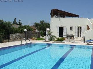 2 bed 2 bath villa / shared pool long term rent - Drapanos vacation rentals