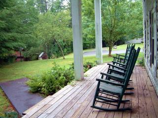 Laurel Hill Manor 8 br-Near Rocky Top Sports World - Gatlinburg vacation rentals