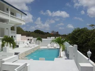 2 bedroom Apartment with Internet Access in Willemstad - Willemstad vacation rentals