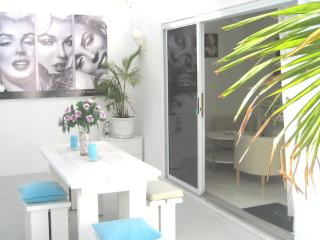 Lovely Condo with Internet Access and A/C - Willemstad vacation rentals