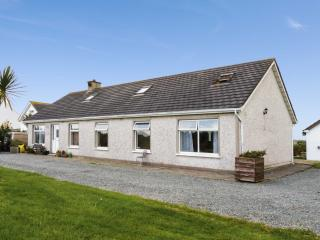 ARAS MHUIRE, two bedrooms, conservatory, walking distance to sandy beach, in Fethard-on-Sea, Ref 17780 - Fethard On Sea vacation rentals