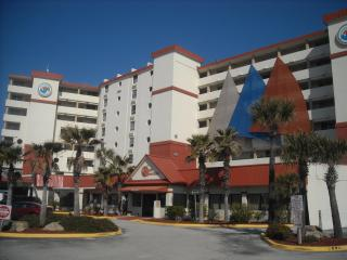 Direct oceanfront, poolside - $79/night ! - Daytona Beach vacation rentals