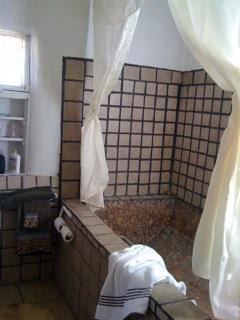 HUGE Mexican tile tub & rain-shower - Southwest US ANTIQUE ADOBE Restored Beautifully - Taos - rentals