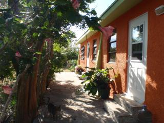 One bedroom condos near a beautiful cove - Gregory Town vacation rentals