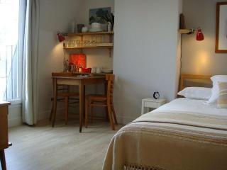 Paris at Home - Bastille - Le Marais - Paris vacation rentals