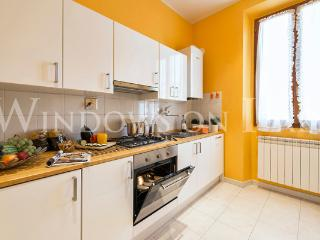 Pavarotti - Windows on Italy - Florence vacation rentals