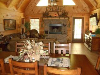 Luxurious Log Home- Private Hot tub/ Wi-Fi - Branson vacation rentals