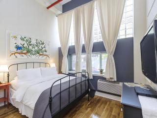 The Box House, Stylish Loft in Brooklyn - Brooklyn vacation rentals