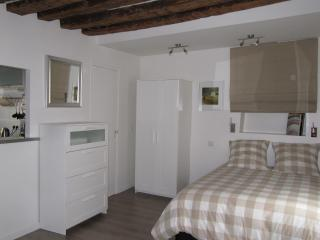 Classy Studio At St Germain Des Pres - Paris vacation rentals