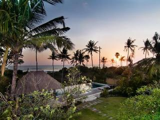 12 BDR BEACHFRONT, Seminyak, Sunsets & Weddings - Bali vacation rentals