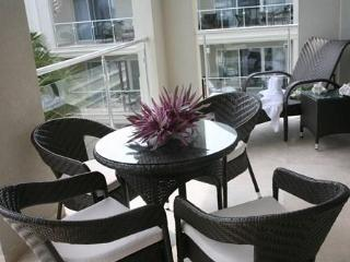 Luxury 2 BDRM/2 bathroom penthouse, Atrium Resort - Providenciales vacation rentals