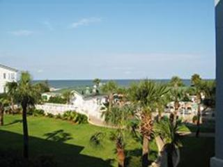 Beautiful view of the Atlantic Ocean - Oceanview 2 BR Condo, 3 Oceanfront Pools; 1 heated - Tybee Island - rentals