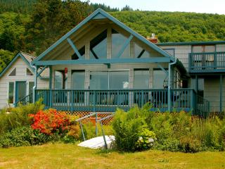 Stunning sea views, large garden, private hot tub - Pacific City vacation rentals