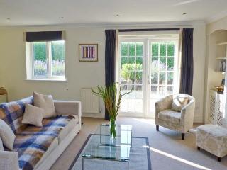 CHARTFIELD, beautiful property, sea views, pet-friendly, Ref. 15493 - Yarmouth vacation rentals