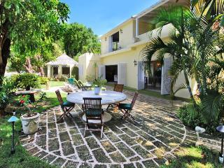 Sea Shell at Mullins Beach, Barbados - Beachfront, Lush Green Gardens, Cool Breeze - Saint Peter vacation rentals