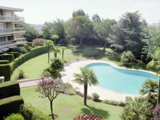 Luxury ground floor 1 bedroom apartment - Cannes - Cannes vacation rentals