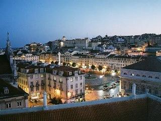 Lovely Apartment with Stunning Lisbon Centre View - Lisbon vacation rentals