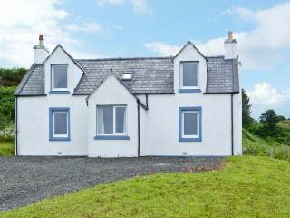 BAYVIEW HOUSE, wonderful house, sea views from all rooms, open fire in Carbost - Carbost vacation rentals