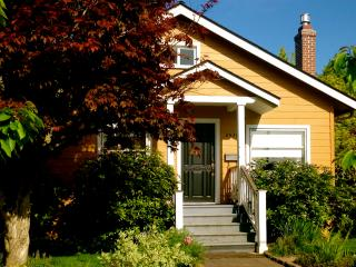 Charming 2 Bedroom Cottage near Mt. Tabor - Portland vacation rentals